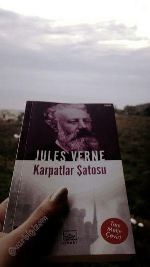 """Bir Kitapsever olarak atlanmaması gereken yazıldığı tarih itibarıyla insani dehşete düşüren bir yazar olan Julesverne nin """"Karpatlar Şatosu"""" nu büyük bir zevkle tavsiye ederim. Kitap okuyun ☺ Reading Book"""
