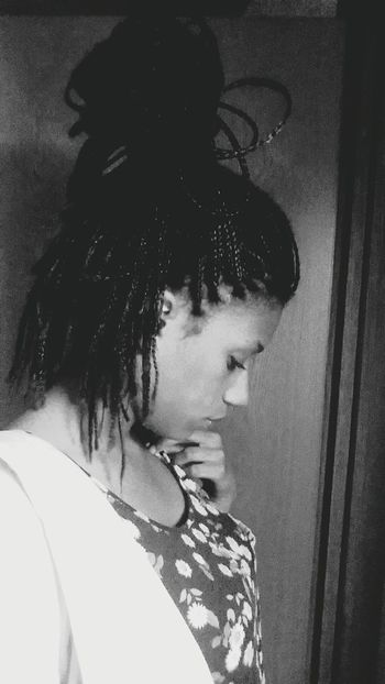 Me Sadness Feelingalone Girlsproblem Blackandwhite Boxbraids Tomorrowisanotherday Bestrong Single ♥