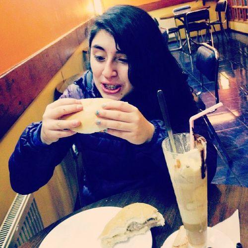 Jajajaja😂😂 DandoJugo Barrosluco Cafehelado Alas11delanoche Teamobro ....Despues me dio un ataque de hiperactivida por mucha azucar