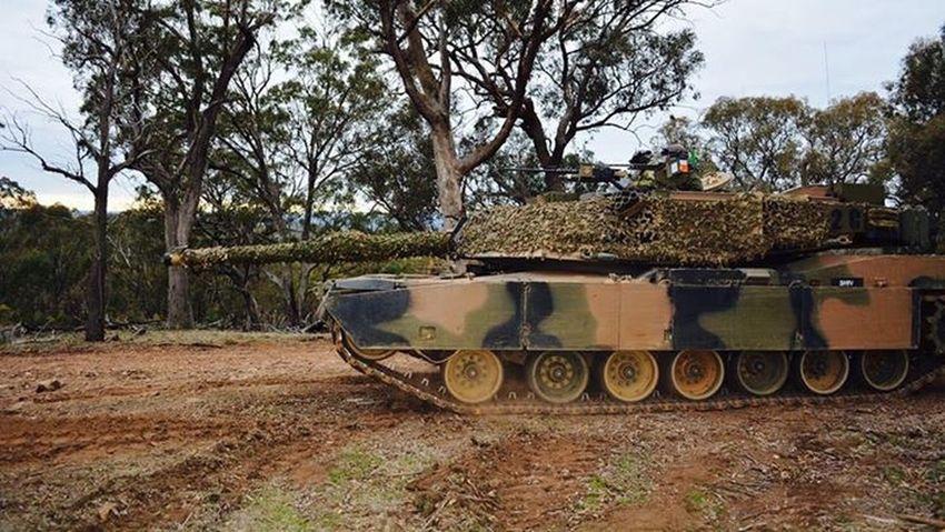 Australian Army M1A1 Abrams tank Australia Adf Australian Army M1a1 Abrams Tank Tanks