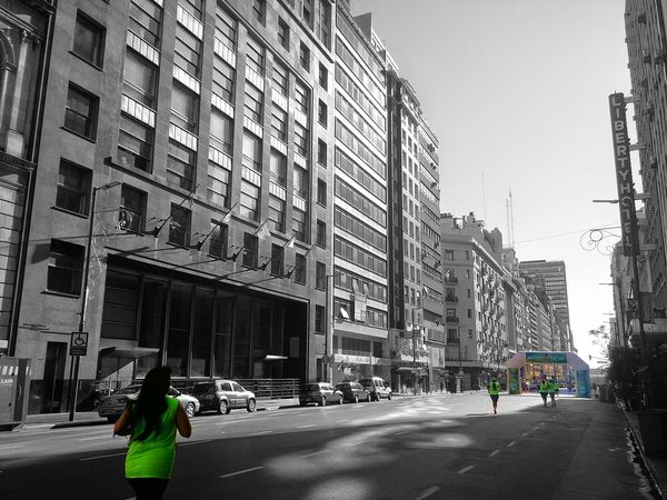 San Silvestre Buenos Aires. City Architecture Street Building Exterior City Street Built Structure Outdoors Real People People Urban Road Marathon Runner Race Goals 💪 Go Green Finish Line  Superation Athletes San Silvestre  The City Light Minimalist Architecture The Street Photographer - 2017 EyeEm Awards The Photojournalist - 2017 EyeEm Awards