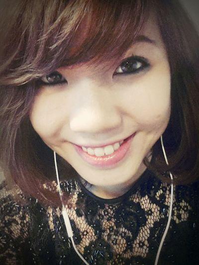 Selfportrait Red Lips Vietnamese Shorthairlove