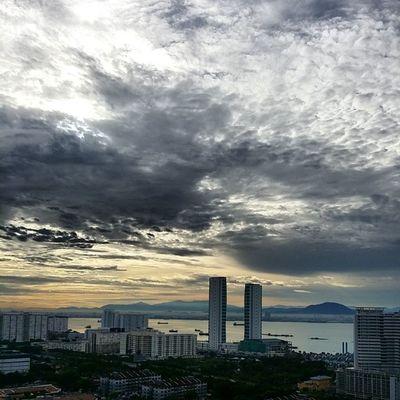 Good morning Penang! After the rain, comes the sunshine. Nofilter Wonderfulpenang Wishtogoanywhere Dawn