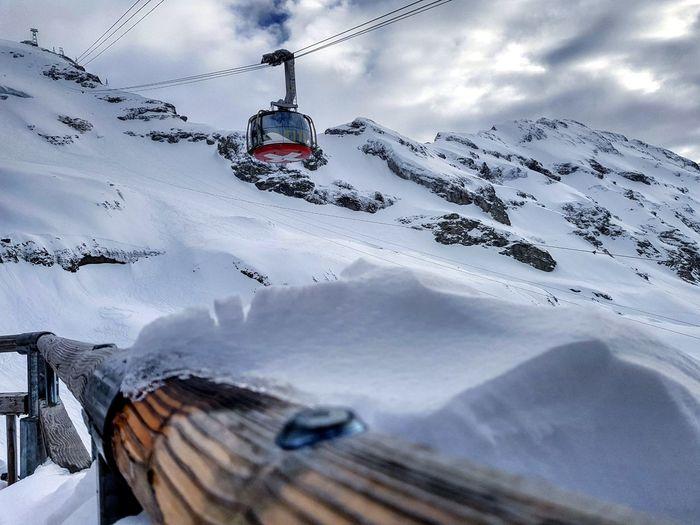 🇨🇭🚠⛅ Switzerland Suisse  Schweiz Swizzera Swiss Engelberg Obwald Titlis Cablerailway Mountains White Snow Sky Landscape Beautifulview Nature Snowboarding Ride Explore Photo Photography Winter March 2018
