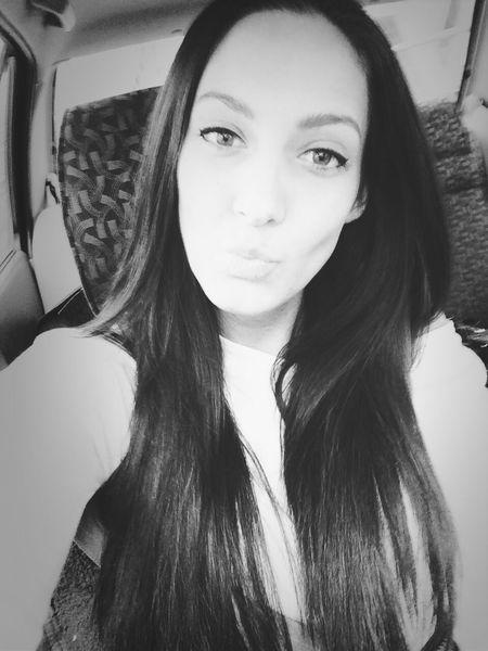 Kiss Hello Selfie Eyes