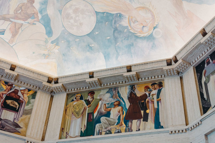 Architecture Art And Craft Built Structure Ceiling Craft Creativity Female Likeness Fresco Group Of People History Human Representation Indoors  Low Angle View Male Likeness Mural Representation Sculpture Statue The Past