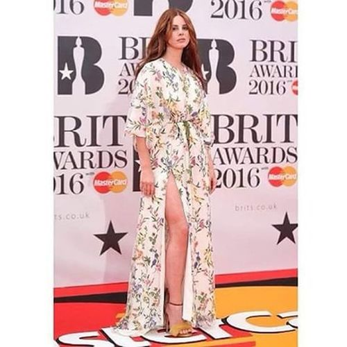 Forever you'll be my pride major, my life, the best artist that the world could have, I love my Lana, or rather, Elizabeth ... @viic_vi LanaDelRey Britawards2016