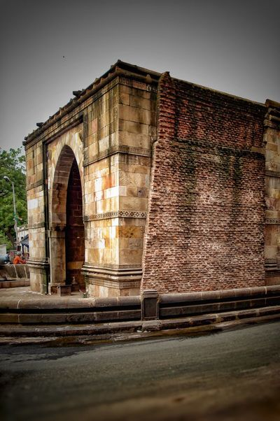 Eyeem Photography Eyeem Photo Color Eyeem Best Shots Eyeem Gallery Architecture Built Structure Building Exterior History Arch Historic The Past Architectural Column Medieval Weathered Amdavad