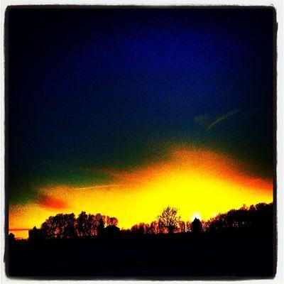 March kicks off with a golden glow. #btv #vt #miltonvt Sunset Landscape Glow Surreal Vermont Golden Vt Btv Vt_scenery 802 Milton_vt Miltonvt Vt_scene
