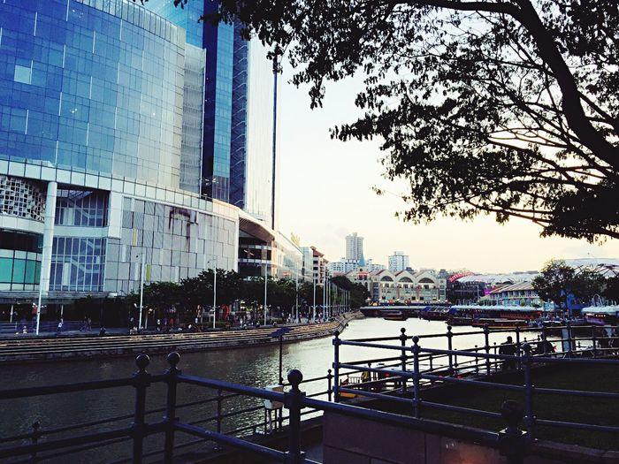Have Fun Summertime Singapore Clarke Quay Riverside Tour Singapore Tourist Journey Feel The Moment Feel The Journey