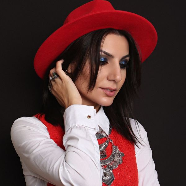 Red RedHatStyle Hat Brunette Girl Portrait Beauty White Fashion Woman Woman Portrait Red Hat EyeEm Selects first eyeem photo