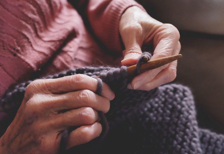 Knitting Person Skill  Art And Craft Creativity Human Body Part Knitting Needle Working Close-up Craft Real People One Person Indoors  Expertise One Woman Only Only Women Occupation Weaving Horizontal Adult Fujifilm Fujifilm_xseries FujiX100T