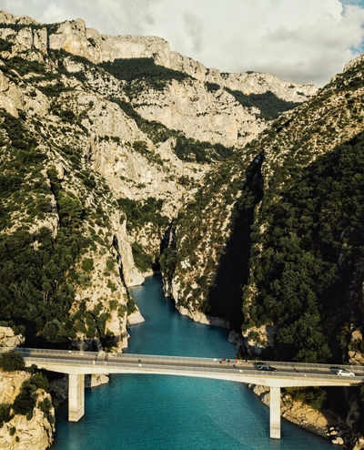Embouchure des gorges du Verdon Mountain Scenics - Nature No People Nature Beauty In Nature Day Rock Tranquil Scene Tranquility Rock - Object Non-urban Scene Solid Outdoors Water Tree River Rock Formation Built Structure Connection Plant Formation