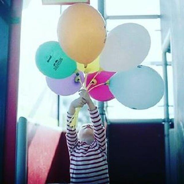Flying away. Metaxourgeio μεταξουργείο Balloons ίριδα Mylove MyGIRL Flyingaway Children Childrenlove Purelove Coloursareeverywhere Colourful Stripes Sunnyday Sunnyvibes HappyMood Photooftheday VSCO Vscocam Vscolove Vscogreece Vscoathens Vscoafternoons Vscoaddict Instagreece instamood instaathens instalifo