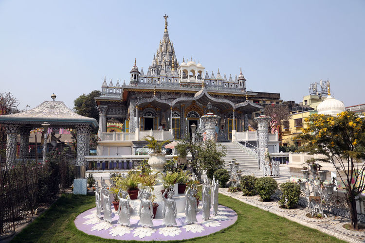 Jain Temple, Kolkata, West Bengal, India Famous Places Temple Architecture Art And Craft ASIA Calcutta Carving Faith Formal Garden Fountain India Jain Jain Temple Kolkata Monument Mysticism Place Of Worship Religion Sculpture Sculpture Shrine Spirituality Travel Destinations West Bengal Worship