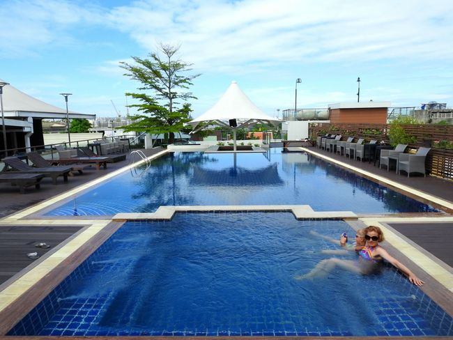 Dang Derm Hotel Swimming Pool Wifey♡ Daughter Breathing Space Investing In Quality Of Life The Week On EyeEm EyeEmNewHere Skyscraper Thailand Thai Real Thailand Summertime Bangkok City View  Magic Time 😉 Sunny Day 🌞 Cloud - Sky