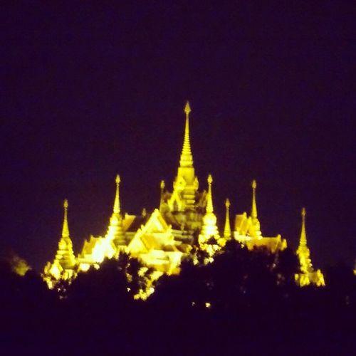 วัดทางสายตอนกลางคืนสีทองสวยงาม วัดทางสาย Temple ThaiTemple