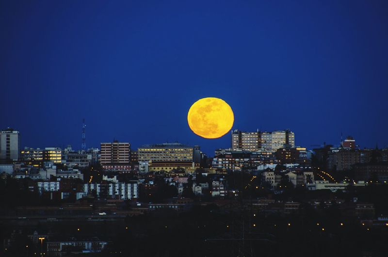 Luna llena sobre Madrid #photography #EyeEmNewHere #EyeEm #madrid #eyeemphotography #streetphotography City Cityscape Astronomy Urban Skyline Moon Skyscraper Modern Sky Architecture Building Exterior Full Moon Moonlight