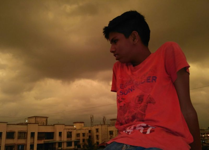 Darkness around Boys Outdoors Sky Darkclouds Thunder Clouds EymEmNewHere EyeEm Best Shots - Nature Indianphotography Mifans Brother The Great Outdoors - 2017 EyeEm Awards The Photojournalist - 2017 EyeEm Awards The Purist (no Edit, No Filter) The Week Of Eyeem