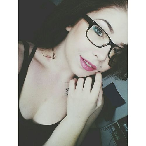 I wanna take you down..?❤ Pinklips Girlswithtattoos Cateyes EyeEm Best Shots Photooftheday Woman Lovely Taking Pictures BrownHairDontCare BlueEyes