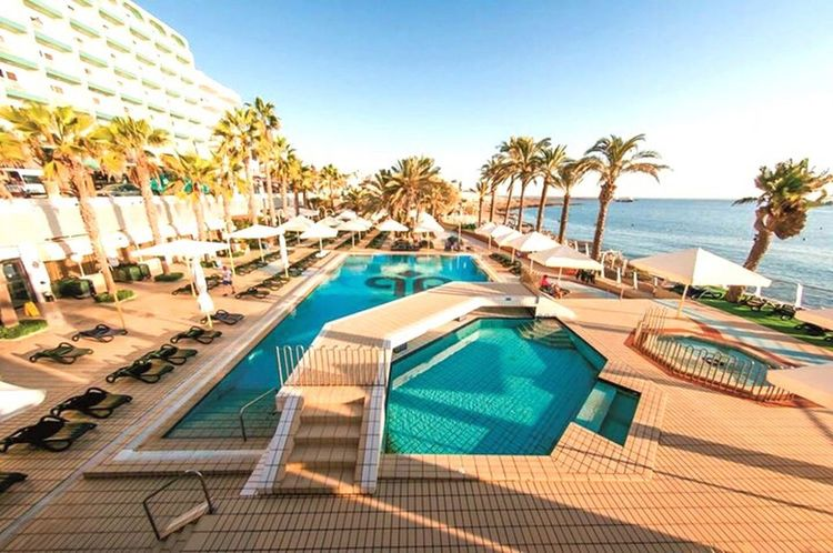 Booked my next holiday with my love👏🏼 GET US HERE NOWWWW!!! 🍹👙☀️🍻⛱ Love Follow Tan Likeforlike Holiday Drinks Sea View Sunset Travel Island Hot Sun Sea Escape Malta Booked Boyfriend Excited Sunseasand Drunks