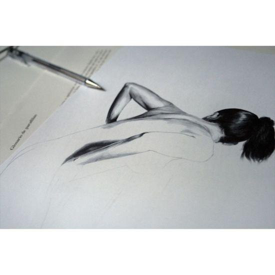 Voyeur Wip Pen Sensual Dibujo Ilustracion Igers Bic Boli Blackandwhite Biro Art Tetas Drawing Ink Girl Voyeur Illustration Paper