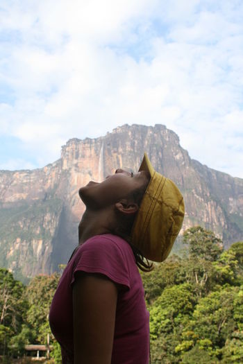 Angel Angel Falls Beauty In Nature Canaima Casual Clothing Drinkink Lifestyles Mountain Tourist Photo Traveling Young Adult Girl Tourist This Is Latin America
