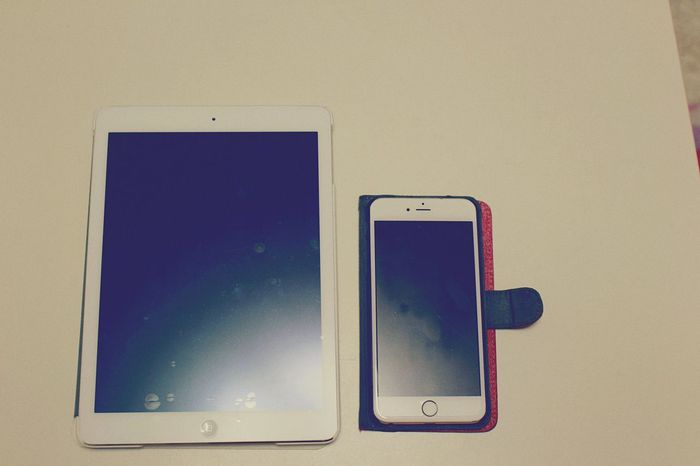 Apple set. Check This Out Hello World Taking Photos Apple Ipad IPhone