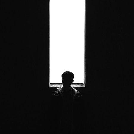 A veces pensamos demasiado las cosas, eso es malo, muy malo. No sirve de nada agobiarnos por cosas que sabemos que se resolverán con el paso del tiempo, porque recuerda que el tiempo lo cura todo. Siempre pasamos por situaciones complicadas que nos absorben los cinco sentidos (👀👅👃✋👂) y no nos dejan disfrutar del camino de la vida. Relájate, que todo fluya y verás como todo es diferente. Nunca dejes que el estrés te ataque. No, hoy no voy a preguntarles nada. Hoy no toca, bueno si toca pero no tengo ganas | Sunday8PMCrew AlvariniRelax Whpmyoasis