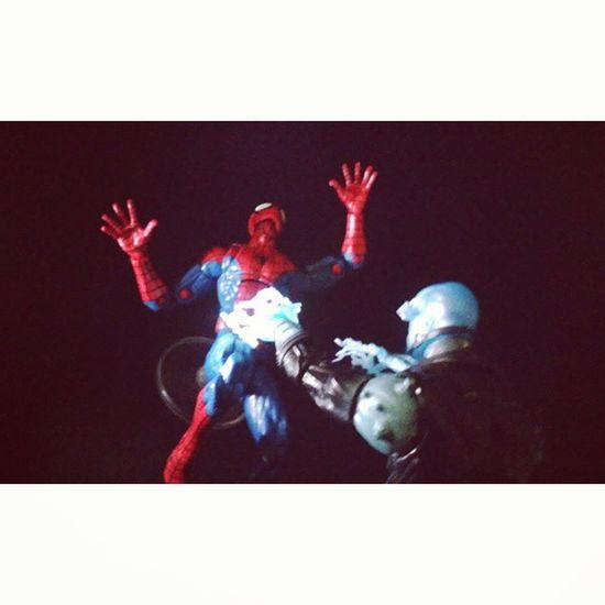 Lights out spiderman! Electro Amazingspiderman Spidey Spiderman Webhead Manchild Marvellegends Hasbro Disney Collector Infinitieseries Mcu Peterparker Figurelife Figurecollection Happygeek Classicspiderman Collecting Spiderblood Marvelfigures Mcu Baf
