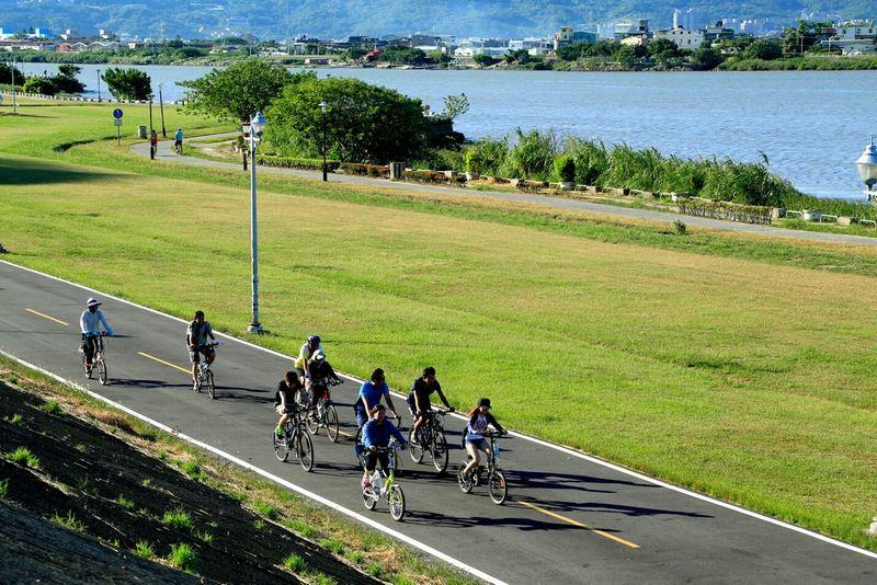 Bikes Walking Around Excercising Basicmedia