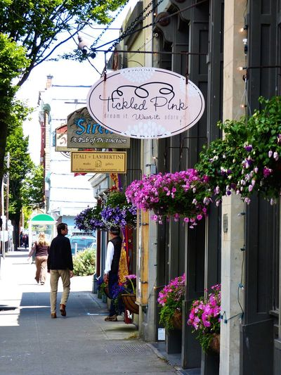Streetphotography Street Photography Street View Shopping Man Flower Basket Sunshine Port Townsend Feel The Journey
