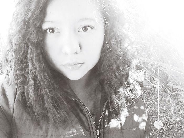 Si te perdono varias veces, tal vez aun dure queriéndote un poco, pero no lo suficiente para querer seguir contigo. Love Followme Follow4follow Pretty♡ Pretty Girl Girl Lovely Hair