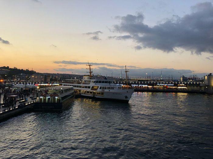 İskele Eminönü Vapur Iskelesi Sky Water Cloud - Sky Architecture Sunset Nautical Vessel Transportation