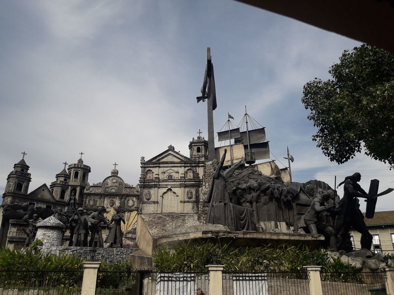 300 Years of Colonization from Spaniards who brought the Christianity in the Philippines . Colonization Christianity SPAIN Philippines Streetphotography History Tree King - Royal Person City History Sky Architecture Building Exterior Civilization Ancient Rome Statue Sculpted Human Representation Ancient Civilization Ancient Sculpture Fountain Archaeology Castle Old Ruin