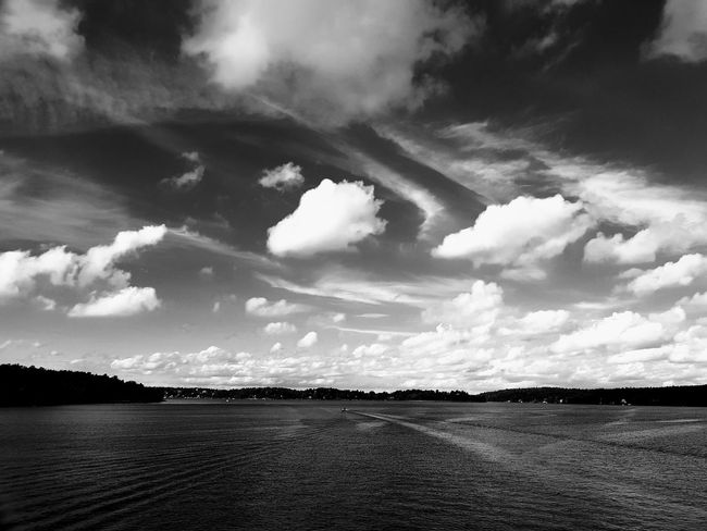 All you need is your smartphone in your pocket ready for a shot 😃 Cloud - Sky Landscape No People Sky Sky And Clouds Sky_collection Skyporn Skylovers Water Islands Archipelago BW_photography Bw Bw_lover Bw Photography Samsungphotography Samsung S8+ S8Photography S8 Collection S8plus Lidingö Stockholm, Sweden Sweden Scandinavia