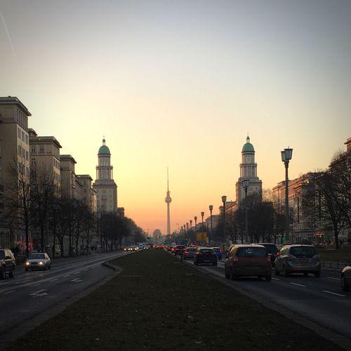 Feinstauballey Frankfurter Tor Zentralperspektive Frankfurter Allee No People Light Sunset Evening Evening Light