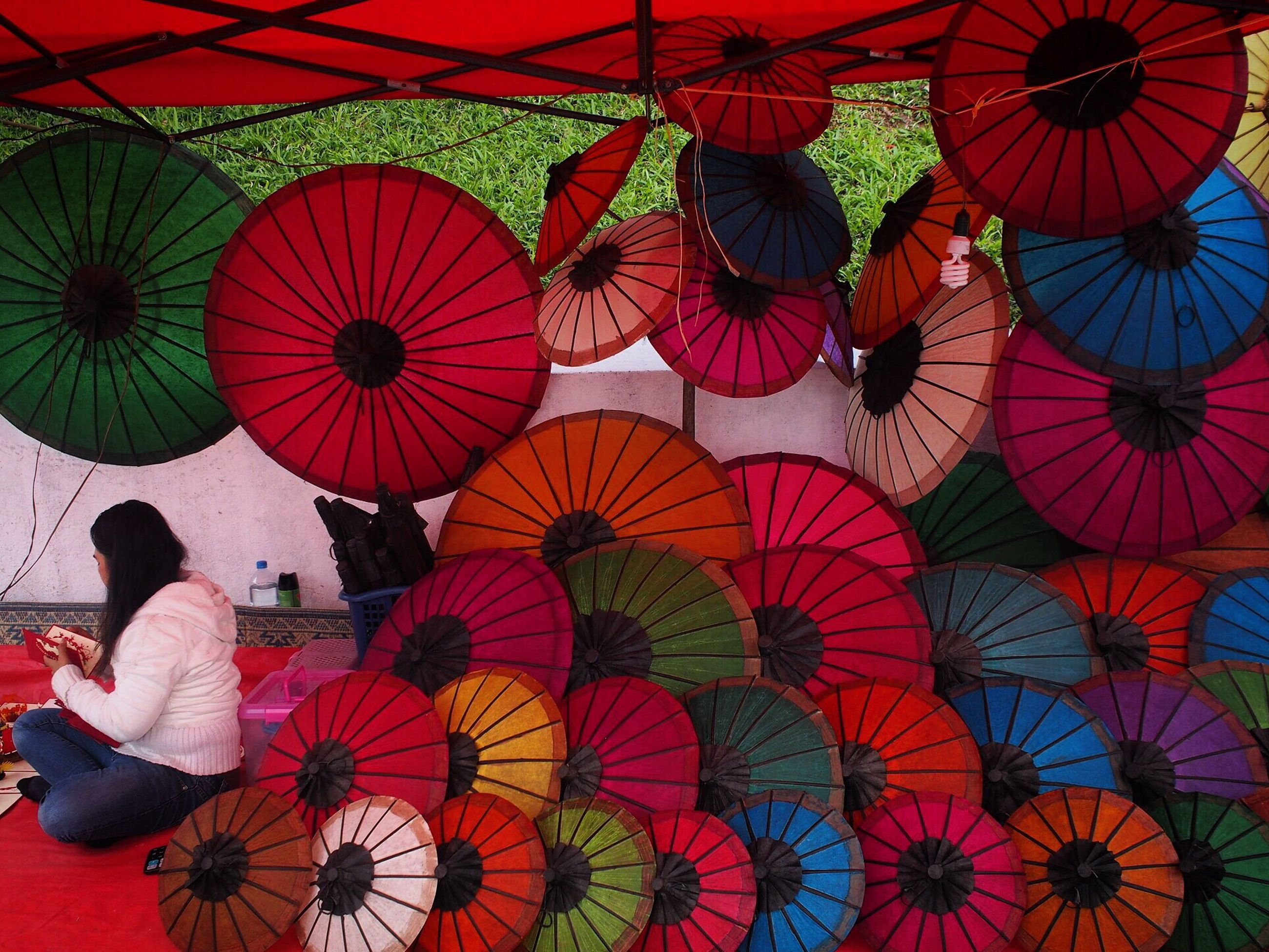 multi colored, art and craft, colorful, pattern, variation, decoration, art, creativity, indoors, full frame, backgrounds, large group of objects, hanging, umbrella, abundance, design, red, in a row, balloon, low angle view