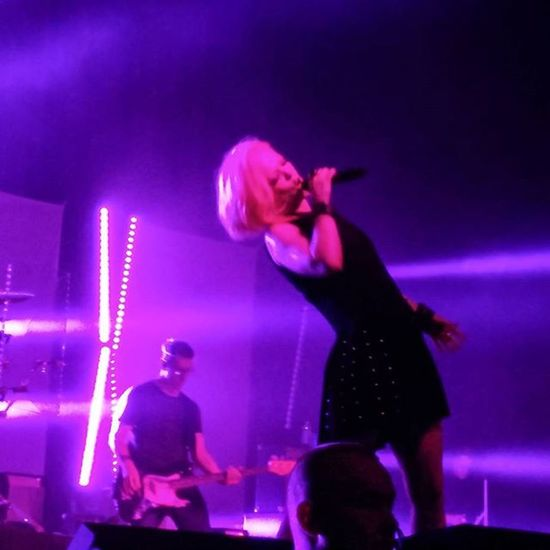 Garbage 20 Years Queer 10-7-15 Fox Theater Oakland Garbage Garbageband Shirleymanson Queer 1crush ImOnlyHappyWhenItRains Oakland Foxtheater Foxtheateroakland