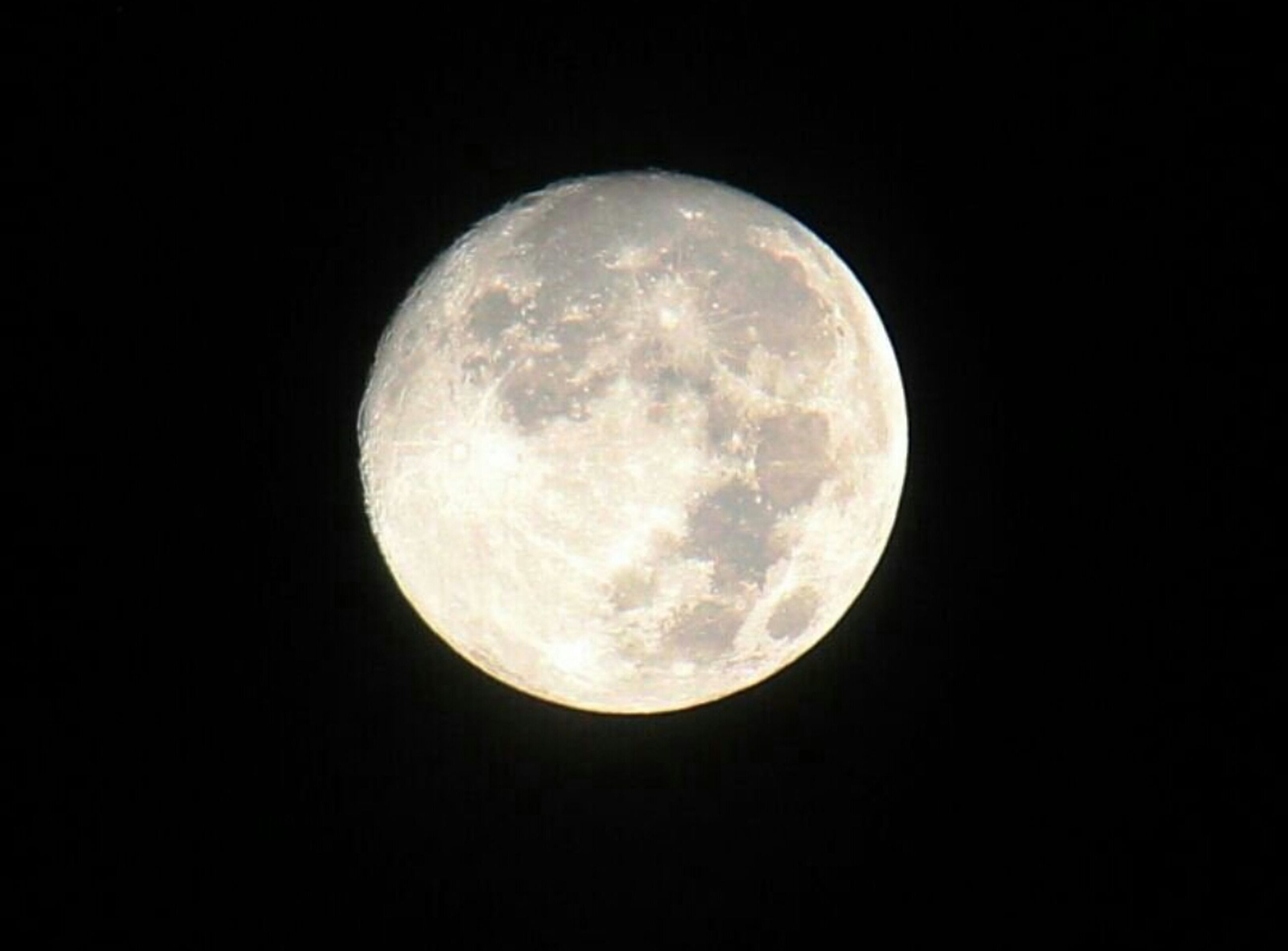 moon, astronomy, full moon, night, planetary moon, moon surface, circle, space exploration, discovery, low angle view, dark, copy space, sphere, beauty in nature, scenics, tranquil scene, exploration, tranquility, majestic, space