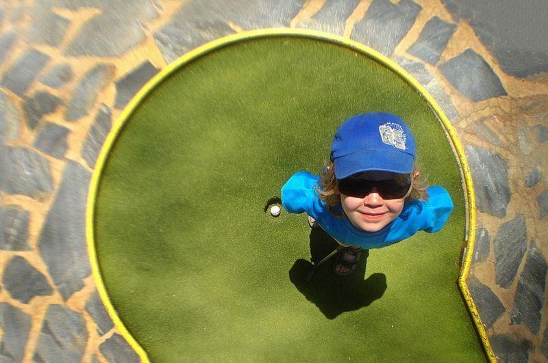 A Hole In One Golf SPAIN Minigolf Happy