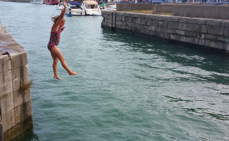 Adventurous Brave Brave Girl Diving No Fear Ontario, Canada Summer Fun Swimming Canal Child Joy Jumping Lifestyles Live In The Moment Outdoors Real People Samsungphotography Summer Vacations Water