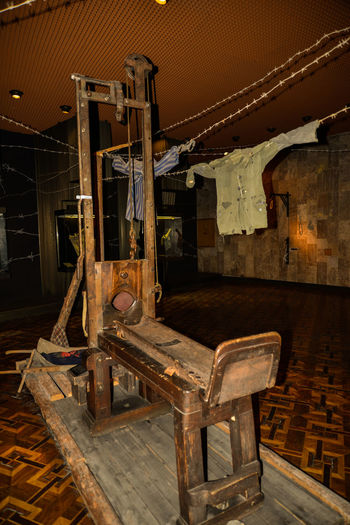 2ww Children Execution Guillotine NAZI No People Table Wood - Material