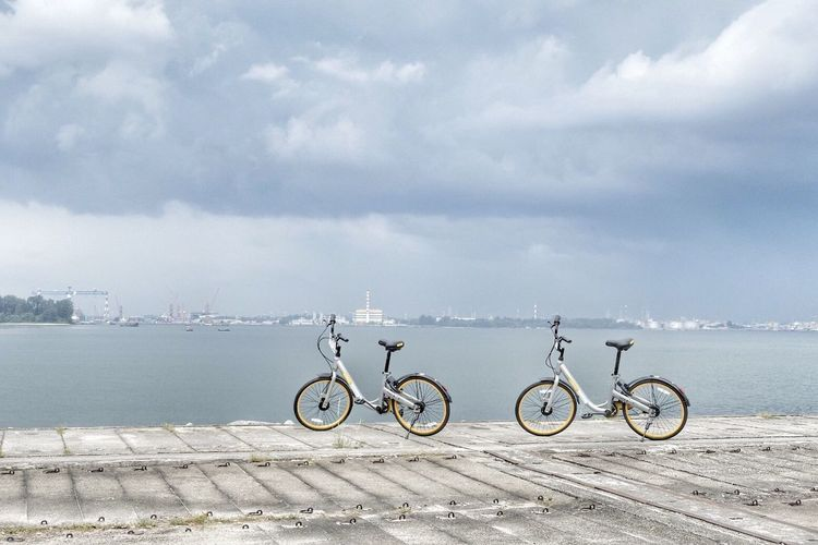 Bicycle Sky Transportation Cloud - Sky Outdoors Day Sea Water Mode Of Transport Land Vehicle Beach Nature Stationary Horizon Over Water No People EyeEm Best Shots Travelling Eyeem Singapore The Great Outdoors - 2017 EyeEm Awards