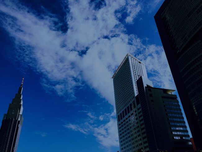 Shinjuku Tokyo Japan Cityscapes Blue Sky Clouds Clouds And Sky Architecture 君の名は