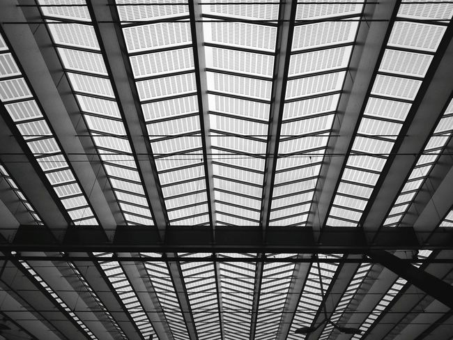 Roof Cealing Urban Geometry Geometric Shapes Minimal Minimalobsession Blackandwhite Bw_collection Monochrome Learn & Shoot: Leading Lines Pattern Pieces