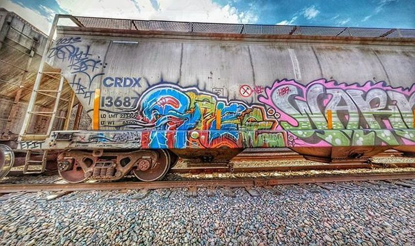 Random train art along river road today during run...... Love me some train art...... Ks_pride Atchisonks Atchisontopekaandsantaferailroad Atchison Trainart Realartistshit Kansasnature Railroadphotography Railtrack