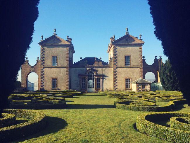 Castle Scotland Castle Hamilton Scotland Beutiful  Gardens Aliceinwonderland Alice In Wonderland Maze MazeRunner Sky Blue Sky