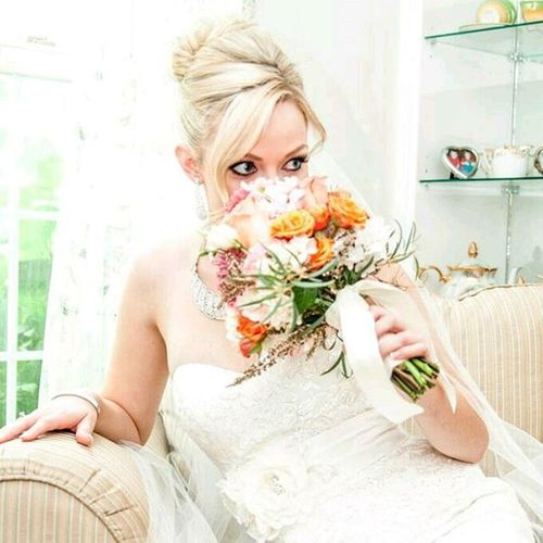 Bride Beautiful Ygk Nikon Wedding Brides Weddingbells @weddingbells @brides MotherOfTheBride Weddingdress Bouquet