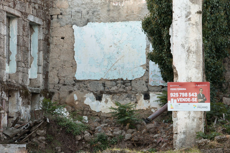 Information sign on wall